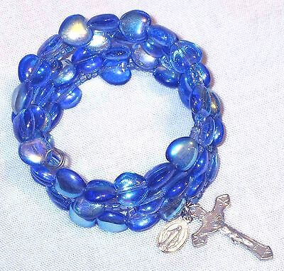 Rosary bracelet, blue AB Czech glass heart beads on memory wire ᴶ q3