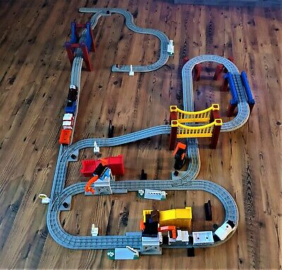 """Lionel Little Lines New York Yankee & Hershey's Train Set 100+ Pieces, EXTRA""""S"""
