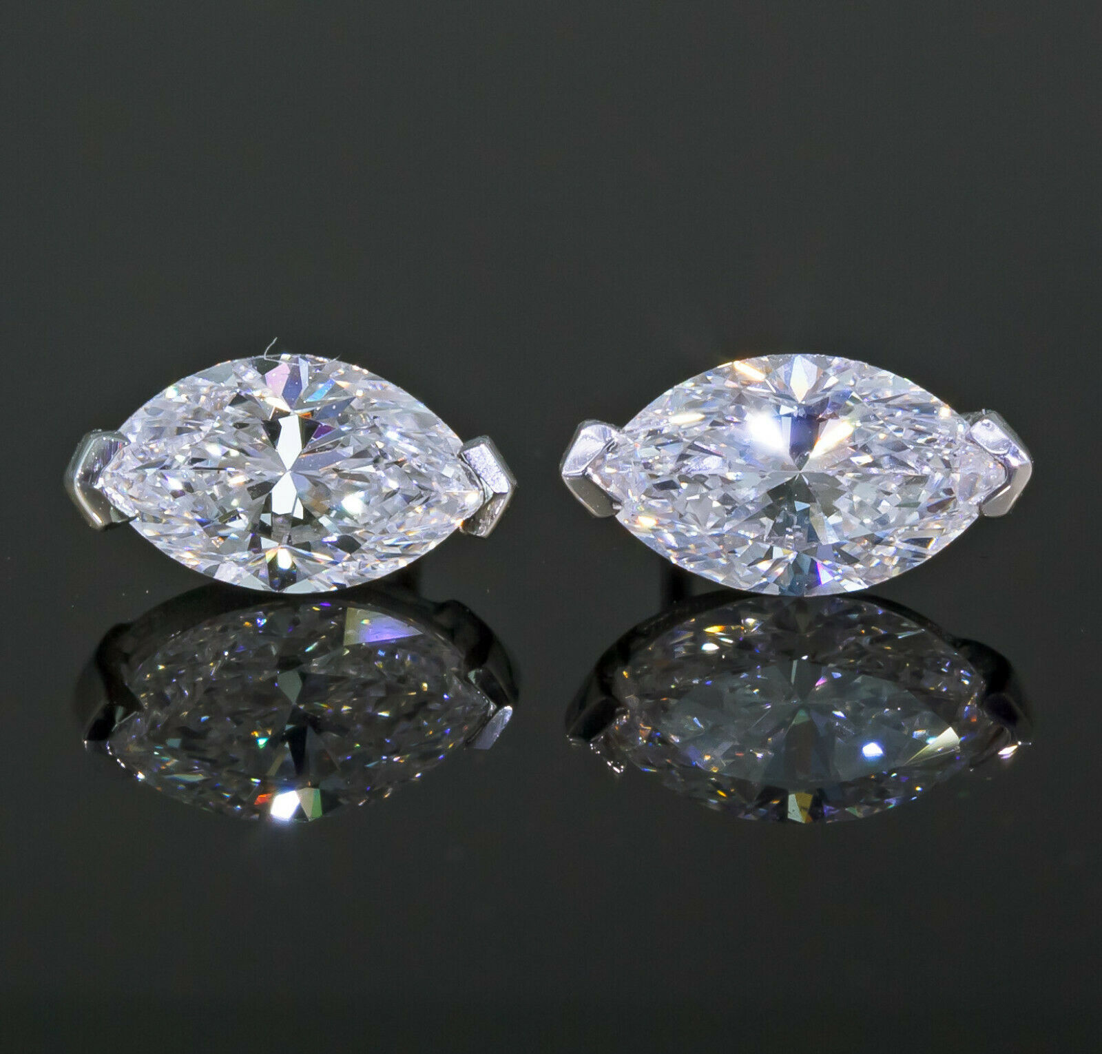 GIA Certified 1.40 carat Marquise-cut Diamond Stud Earrings White Gold 1-1/2 ct