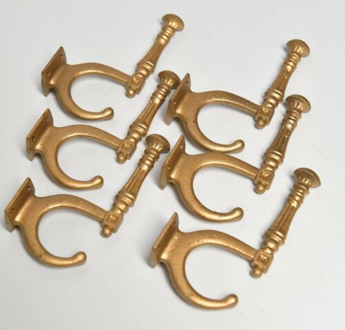 6 BRASS FINISH METAL VICTORIAN STYLE HAT OR COAT HOOKS