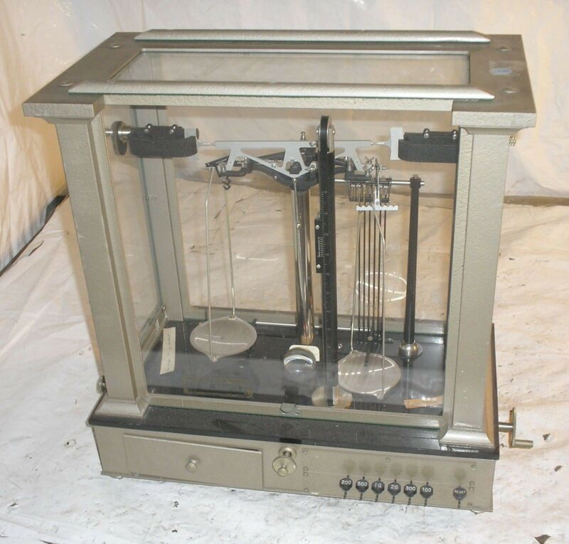 Ainsworth Analytical Balance Scale Type BCT