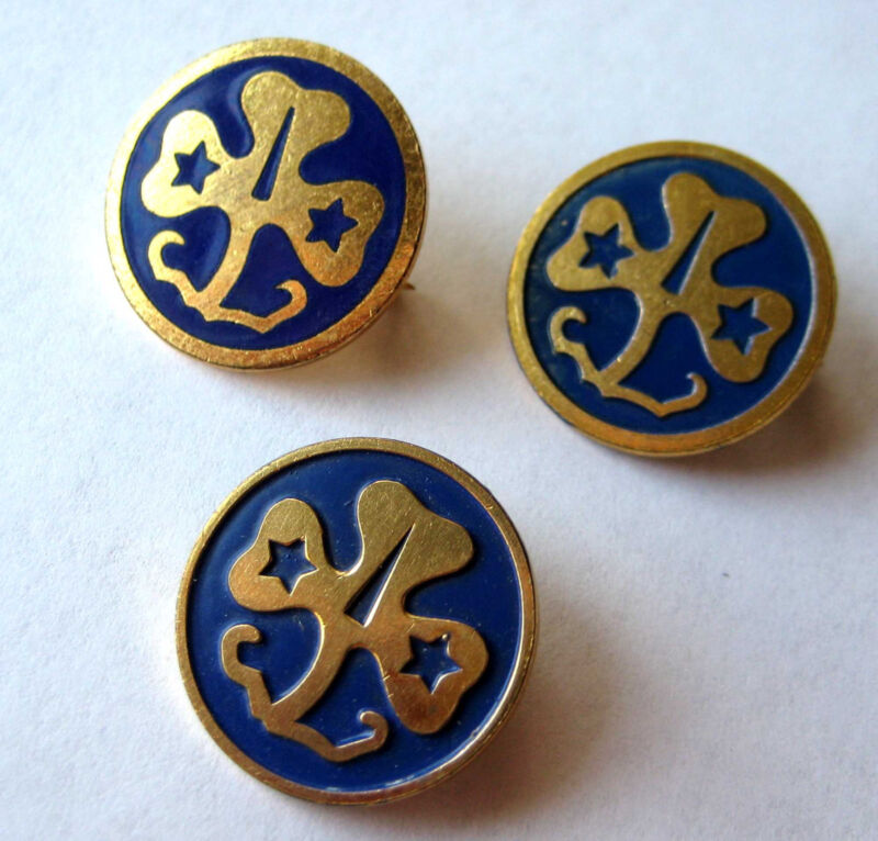 Vintage 1949-92 One (1) Girl Scout WORLD ASSOCIATION PIN Trefoil Offical Uniform