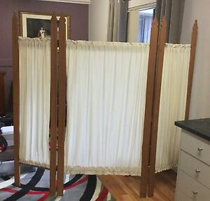 Screen/room divider antique look.  Free standing Beaconsfield Cardinia Area Preview