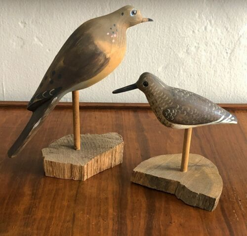 2 WILL E KIRKPATRICK WEK HAND CARVED MOURNING DOVE SHORE BIRD DECOY SCULPTURE