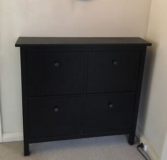 Wanted: Black shoes cabinet with 4 compartments