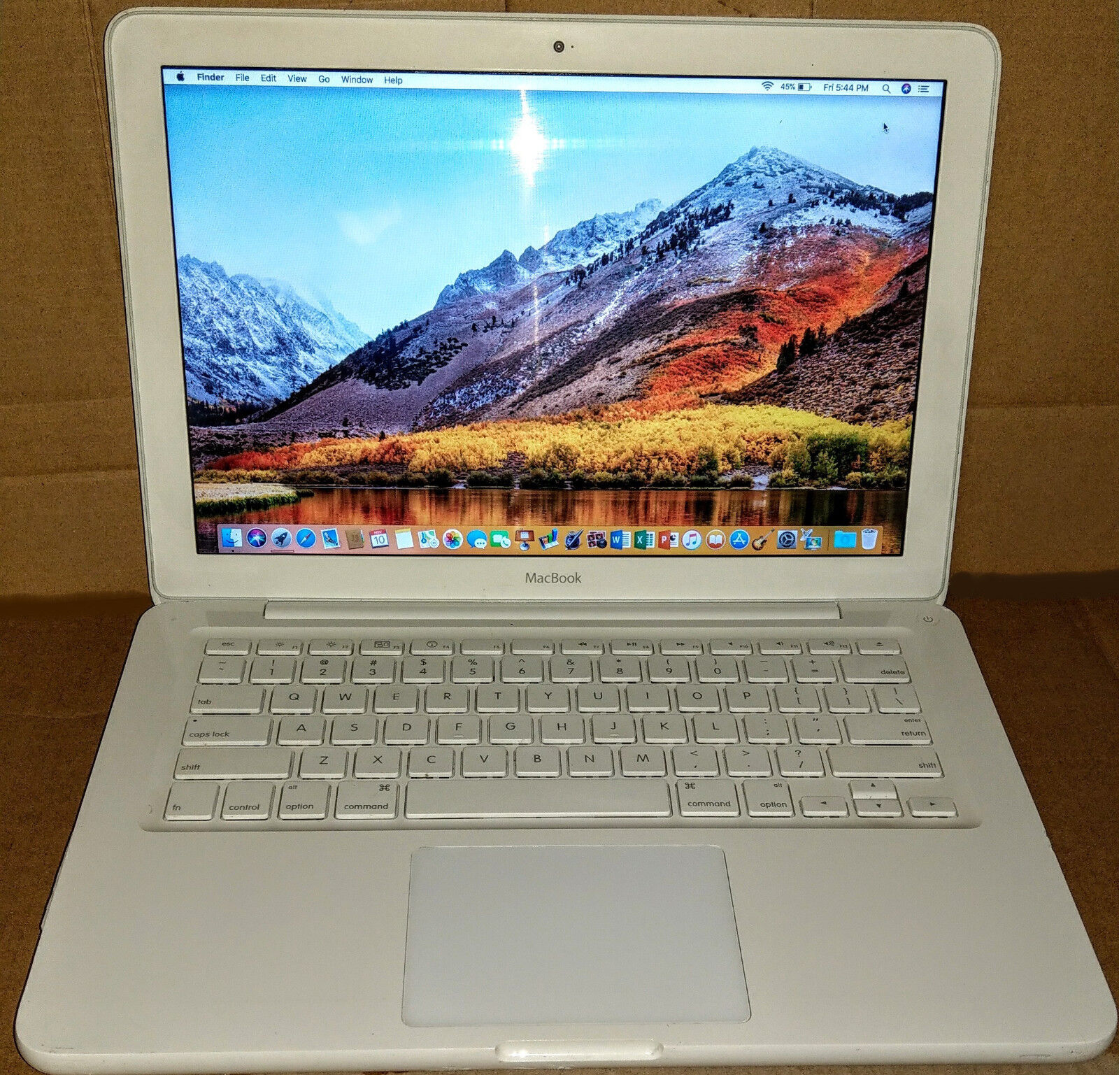 MacBook 13, 2.4GHz, 8GB, 250GB, iLife/ iWork High Sierra (MC516LL/A 2.26, 2.3)