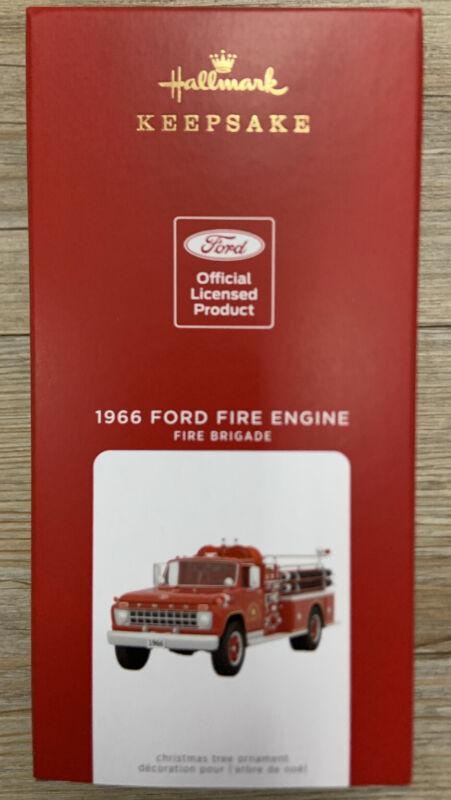 Hallmark QXR9262 Fire Brigade 1966 Ford Fire Engine Metal W/Light 2021 Ornament
