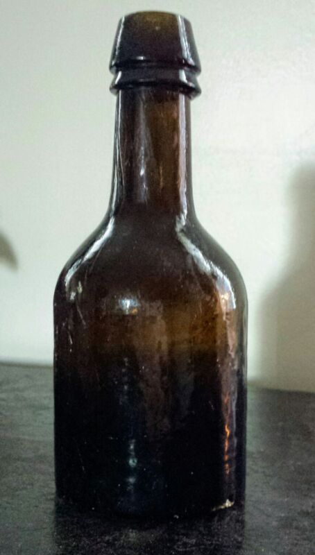 """STODDARD GLASS NH STUBBY 6 3/4"""" BLACK GLASS BEER ALE BOTTLE DIMPLE BASE 1800s"""