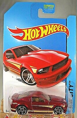 2014 Hot Wheels #95 HW City-Mustang 50th '07 FORD MUSTANG Red Variant w/Pr5 Sp