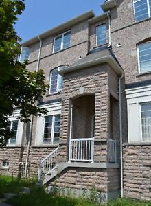 3 Bdrm Townhouse in Ajax