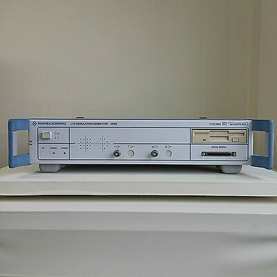 Used Rs Amiq04 Wopt.b1 B3 K14 Iq Modulation Generator