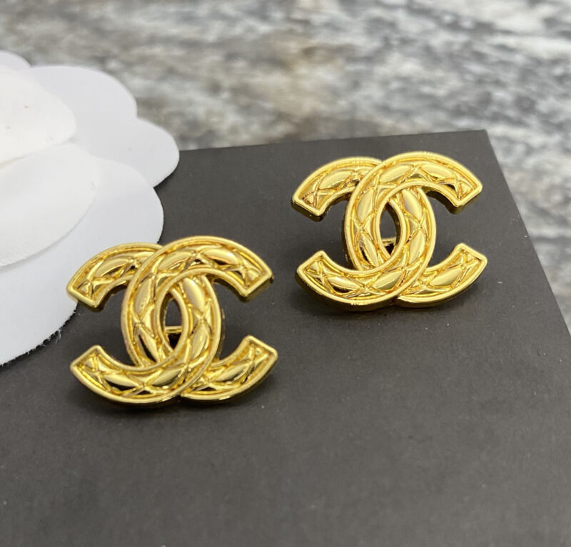 Set Of 2 CHANEL stamped CC Vintage Condition Gold Metal Buttons 19mm