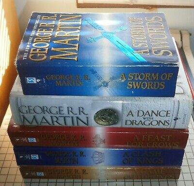 Game of Thrones *lot of 5 books* softcover Clash Kings Storm Swords Feast Crows