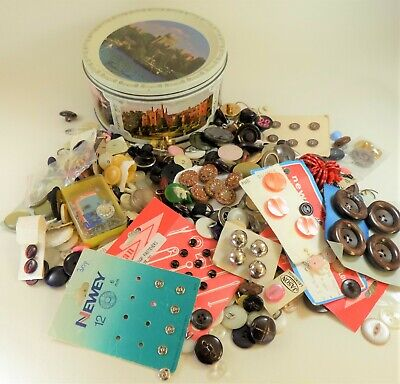 Job lot of vintage buttons in Quality Street Windsor Castle tin 760g inc tin