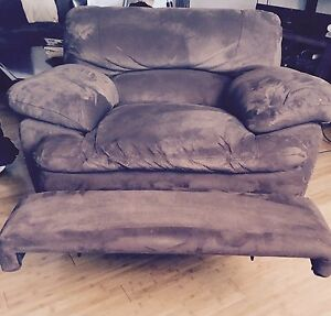 BROWN MICROFIBRE ELECTRIC RECLINING CHAIR