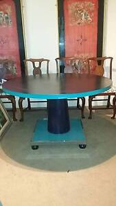 Elegant round dining table Bellevue Hill Eastern Suburbs Preview