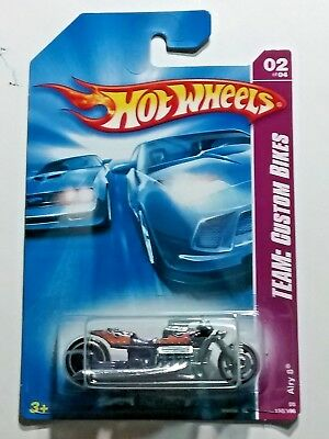 2008 Hot Wheels Airy 8  02/04 Custom Bikes 150/196 Metal Base Version