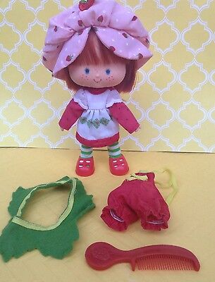 Vintage Strawberry Shortcake Herself Doll 1979 With Berry Wear Clothes