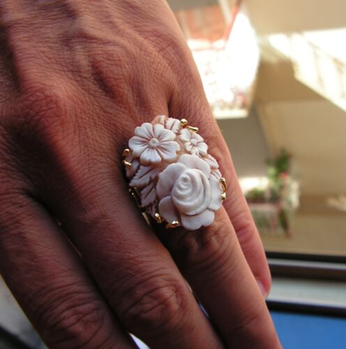 Vintage Silver 925  Yellow Gold Cameo Ring Size 7,5 flowers adjustable