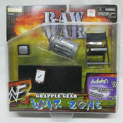 MIP 1999 JAKKS WWF GRAPPLE GEAR WAR ZONE TRASH CAN CHAIR TABLE TV ACCESSORY SET