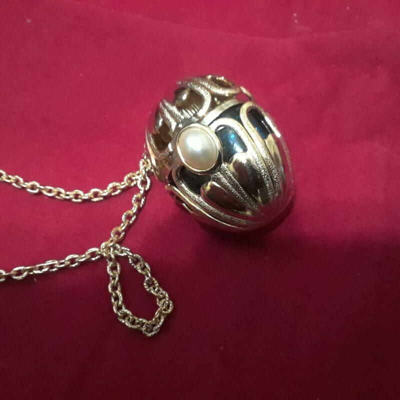 Rare Vintage perfume bottle necklace w/ perfume Avon