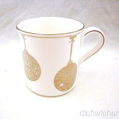Lenox Fine Bone China FEDERAL PLATINUM CHRISTMAS Mug(s) 3 5/8