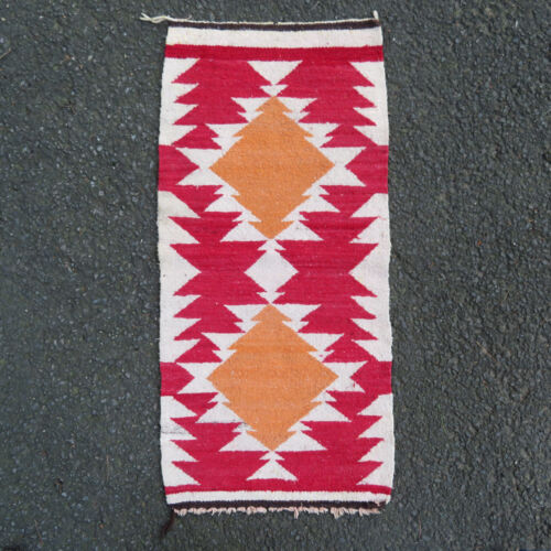 Vintage 1940s Navajo Native American Old Style Crystal Handwoven Tapestry / Rug