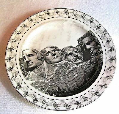 """222 FIFTH SLICE OF LIFE 8.25"""" SALAD DESSERT PLATE MOUNT RUSHMORE EXCELLENT SHAPE"""