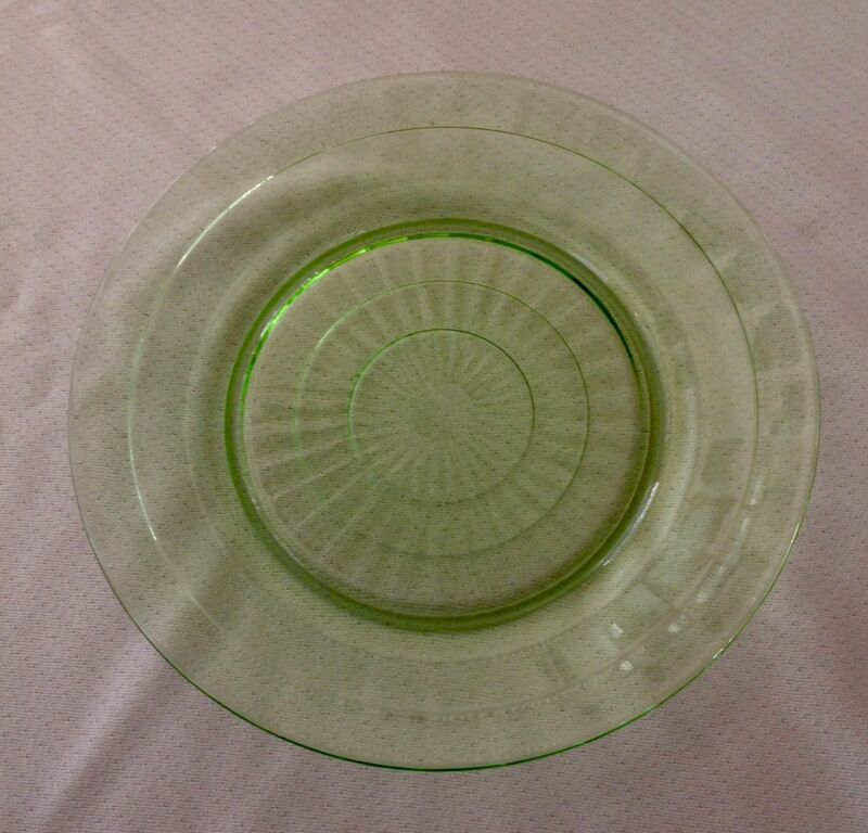"""Hocking Depression Green Block Optic 9 1/4"""" Dinner Plate Very Good Condition"""