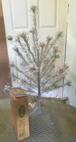Vintage COMPLETE Peco 4ft Pom Pom Aluminum Christmas Tree Orig Box 31 Branches