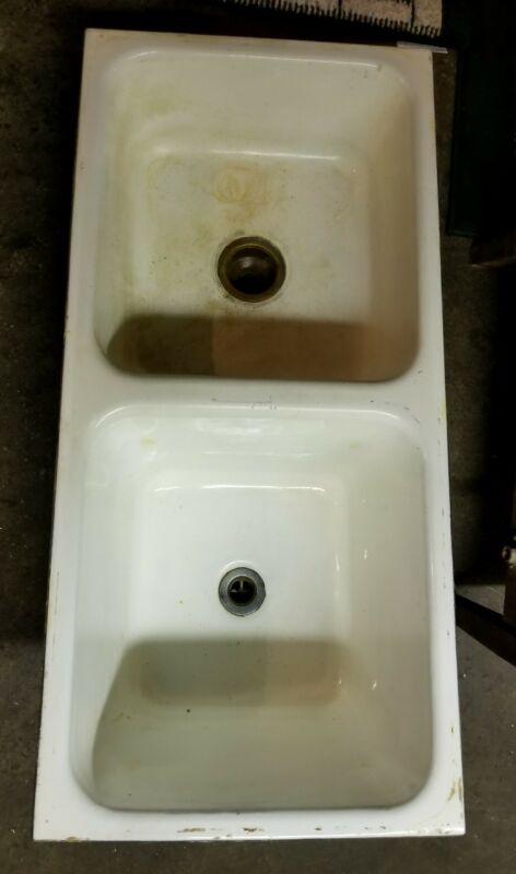 VIntage Farm Sink Cast Iron Porcelain White Drop in Sink No Faucet Holes