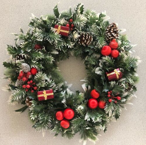 """Vintage Large Plastic Christmas Wreath Holly Berries Pinecones Gifts 17"""""""