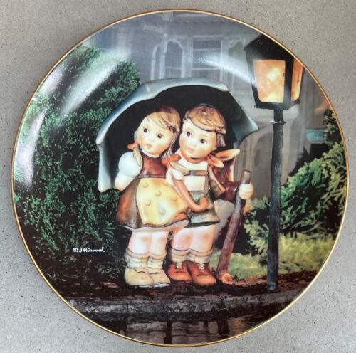 Vintage 1990s Danbury Mint Hummel Collector Plate Little Companions - 2