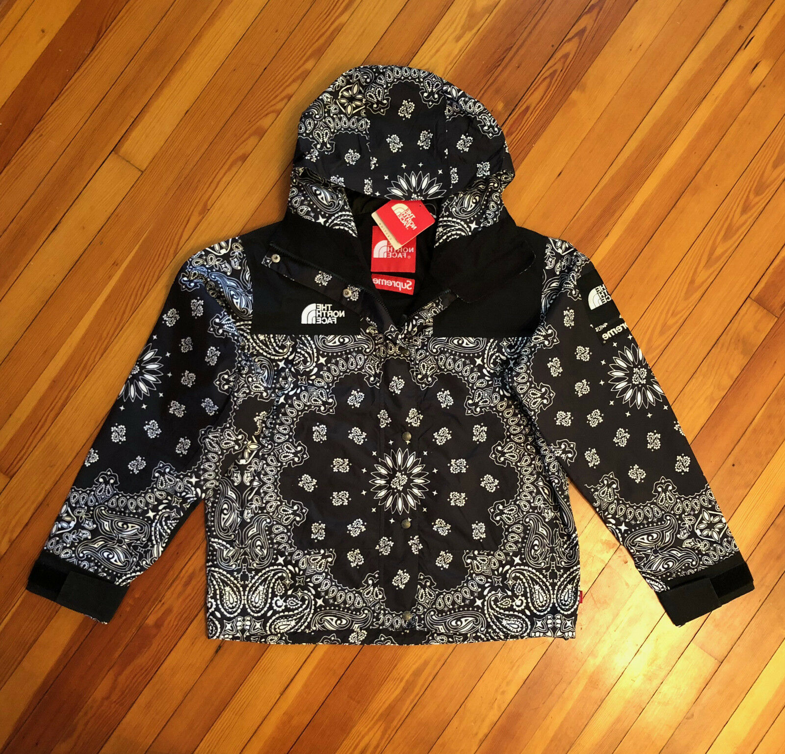 ff9d6255 ... switzerland ua supreme x the north face paisley bandana black mountain  parka jacket s m l item number ...