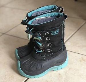 Snow boots for kids size 9