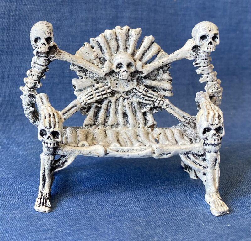 Lemax Spooky Town Halloween Village Figure 04177 Skeleton Bone Bench Retired