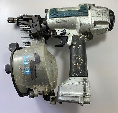 Makita An611 Pneumatic Siding Coil Nailer For Part Only Untested