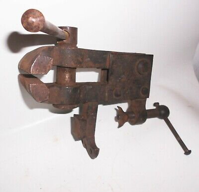 Alter Table vice Vintage Tool Baking Measurement 8,5 x 1,9 cm Blacksmith