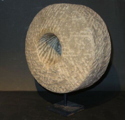 Exclusive and extremely Rare Chinese Stone Cannon wheel 12th Century
