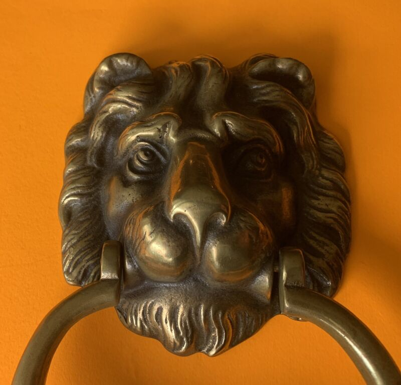 **IMPRESSIVE***SOLID BRASS LION HEAD Architectural Hardware Antique Door Knocker