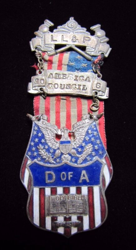 DAUGHTERS OF AMERICA D of A Antique Enamel Medallion Flag Ribbon Bible Pinback