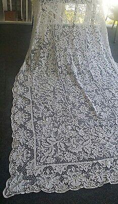 """Antique  Italian Point De Venise lace white tablecloth 120 """" × 66 """""""