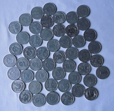 Sammlung von 50 x 1 Mark DDR Aluminium Münzen (123165)