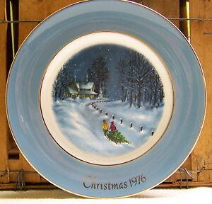 Avon 1976 Christmas Plate Bringing Home The Tree Third