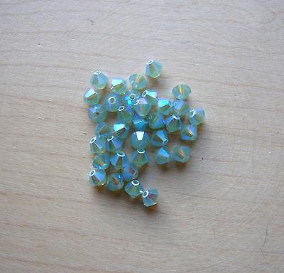 Swarovski 5301 Bicone (30 Swarovski® Kristall Perlen Bicone 4mm AB2x - Farben Art. 5301 / 5328 FARBWAHL)