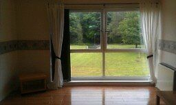 Bright Spacious 3 bedroom Flat in Central Cumbernauld location. (Ivanhoe Road)