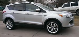 2015 Ford Escape Titanium SUV, AWD, Leather, Heated, Nav, Moon