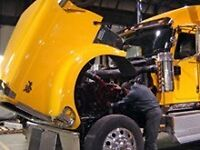 Commercial truck and trailer mechanic