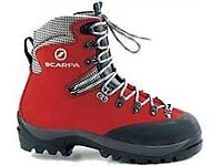 Mens Scarpa Cerro Torre Mountaineering boots size 8