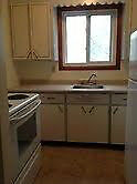 Spacious Clean Quiet 2BDR Apt at Sidney and Moira